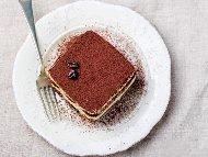Рецепта Лесна торта тирамису с обикновени бисквити закуска и крем Забайон (сабайон) за десерт